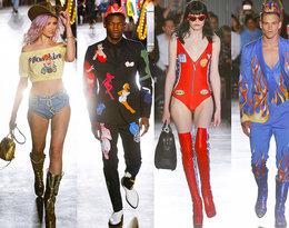 Viva Las Vegas! Najnowszą kolekcję Jeremy'ego Scotta dla Moschino zainspirowali Cher i… Liberace!