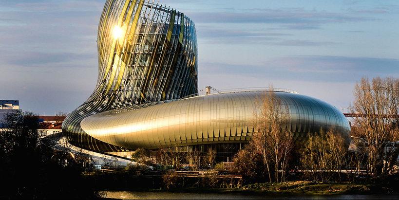 Muzeum Wina La Cité du Vin we francuskim Bordeaux