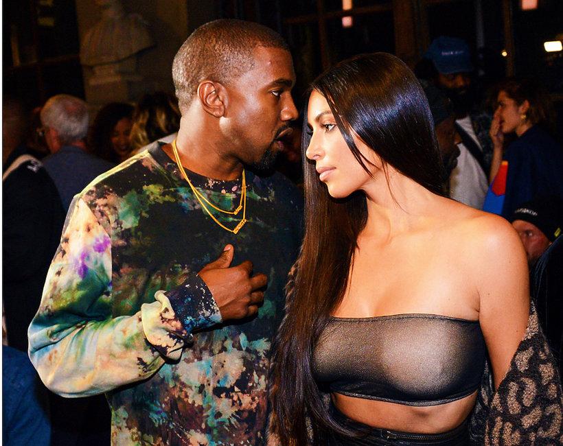 Naga Kim Kardashian w nowej kampanii butów Kanye Westa Yeezy 500 Supermoon