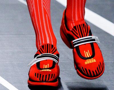 Najmodniejsze buty sportowe  na wiosnę 2018