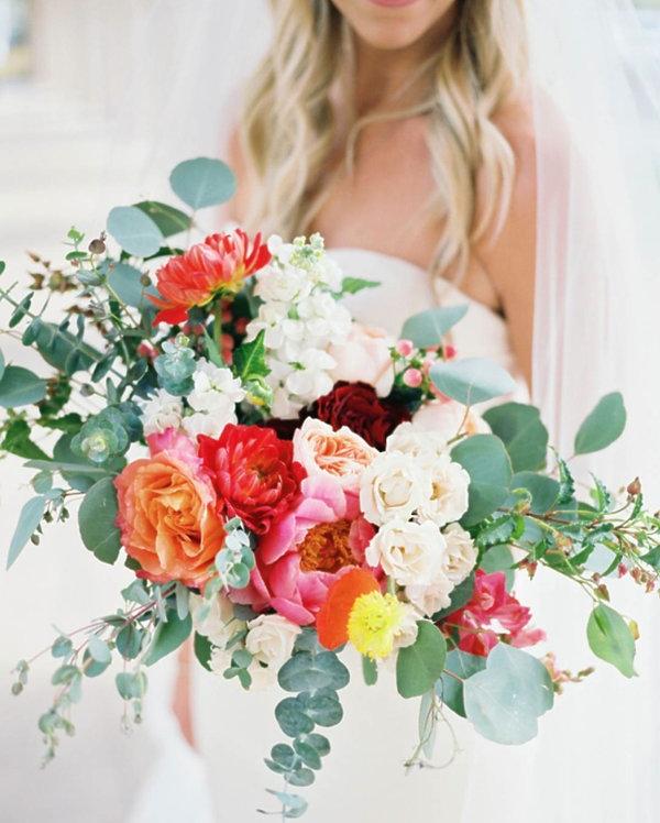 Najmodniejsze i najpiękniejsze bukiety ślubne