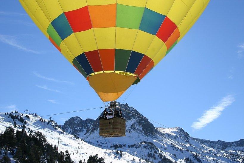 Narty w Andorze - lot balonem nad Pirenejami