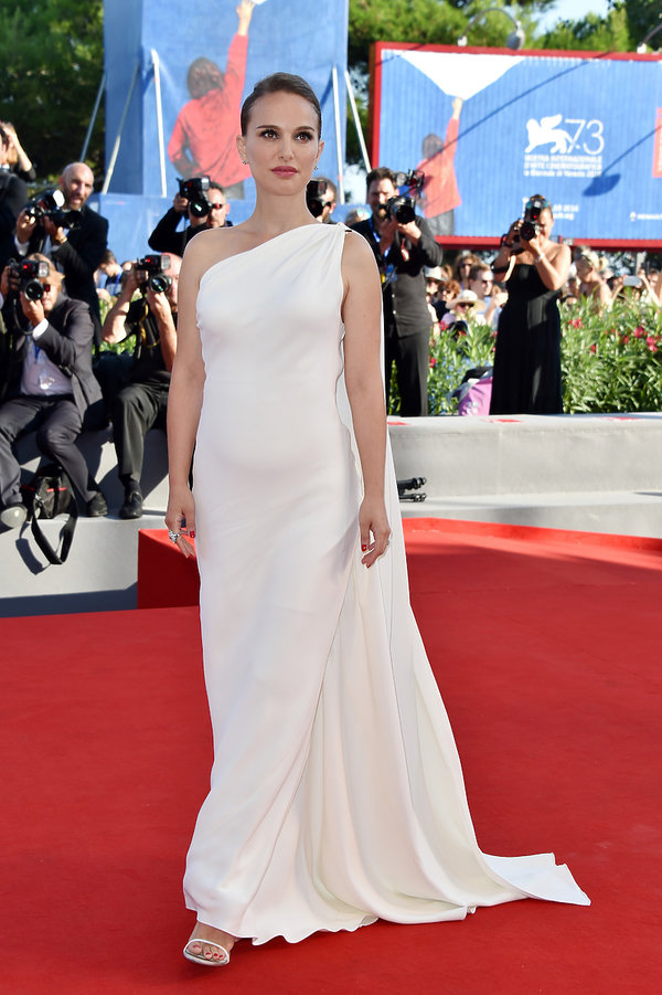 Natalie Portman Najpiękniejsze kreacje z poprzednich lat na Festiwal Filmowy w Wenecji