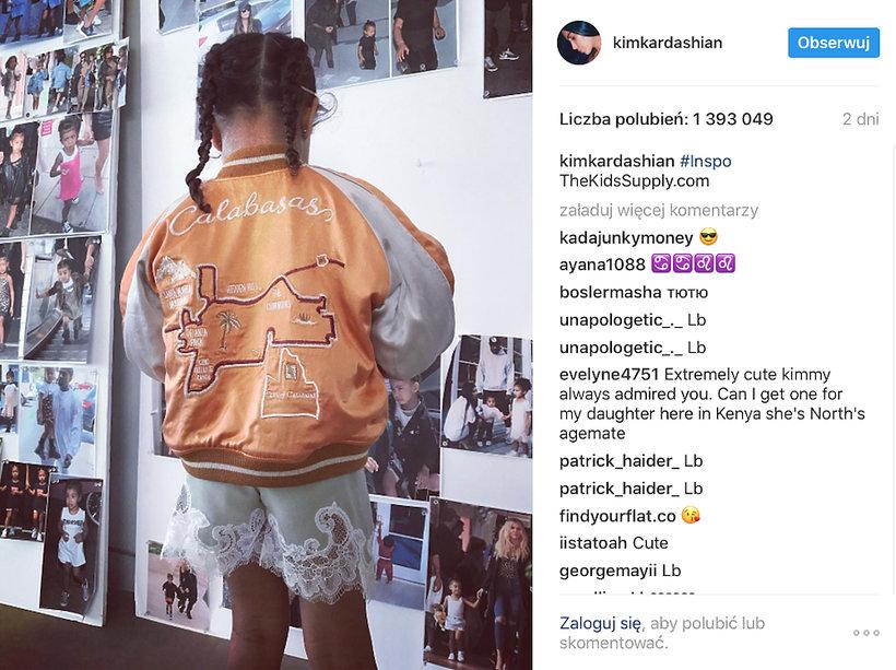North West w kurtce z pierwszej kolekcji ubrań dla dzieci Kim Kardashian i Kanye Westa