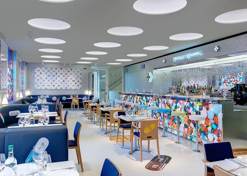 Nowa restauracja Pharmacy 2 w Londynie, którą zaprojektował artysta Damien Hirst