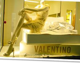 Dom mody Valentino ma nowe logo! Jak teraz wygląda?