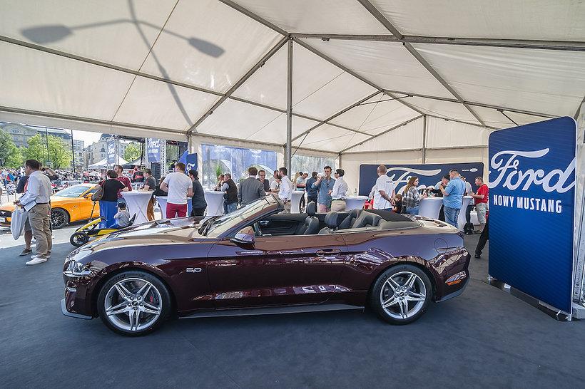 Nowy Ford Mustang ogólnopolski zlot Forda Mustanga w Warszawie