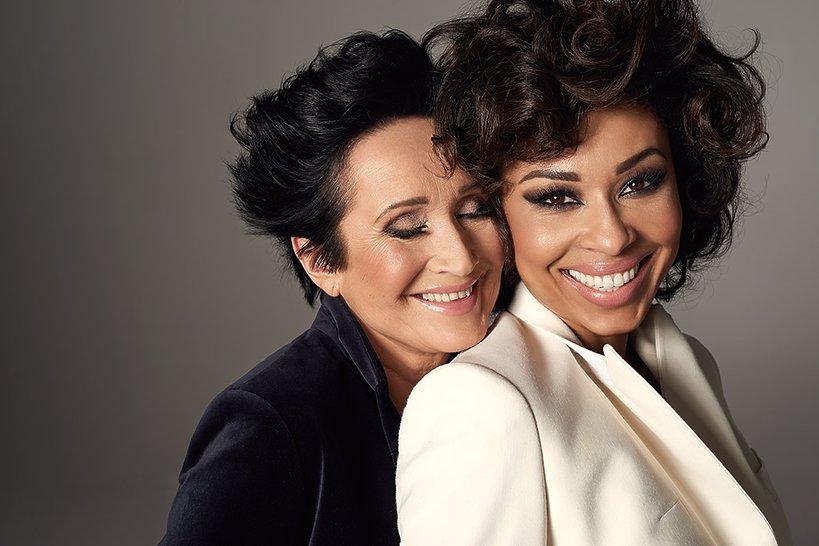 Omenaa Mensah z mamą - sesja Viva