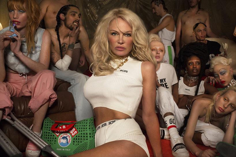 Pamela Anderson w kontrowersyjnej reklamie streetwearowej marki GCDS