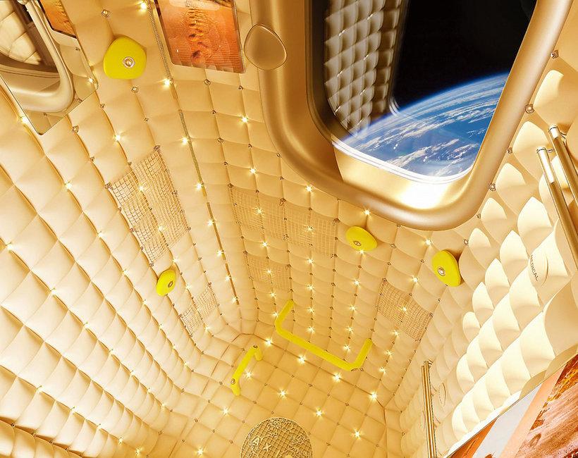 Philippe Starck zaprojektował wnętrze  pierwszego hotelu w kosmosie!