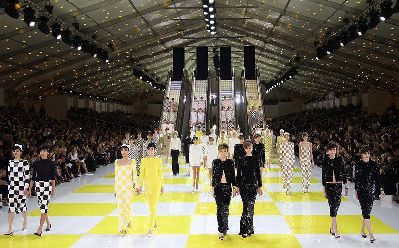 Pokaz domu mody Louis Vuitton na wiosnę 2013