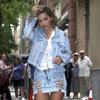 Rita Ora w dżinsowej stylizacji