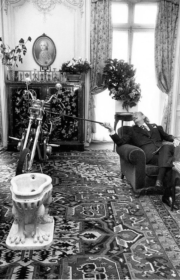 Salvador Dali w hotelu Le Meurice w Paryżu