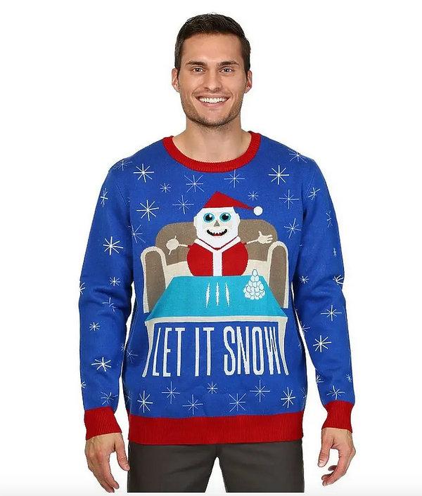 Skandal! Sweter świąteczny marki  Walmart z mikołajem namawiającym do brania narkotyków