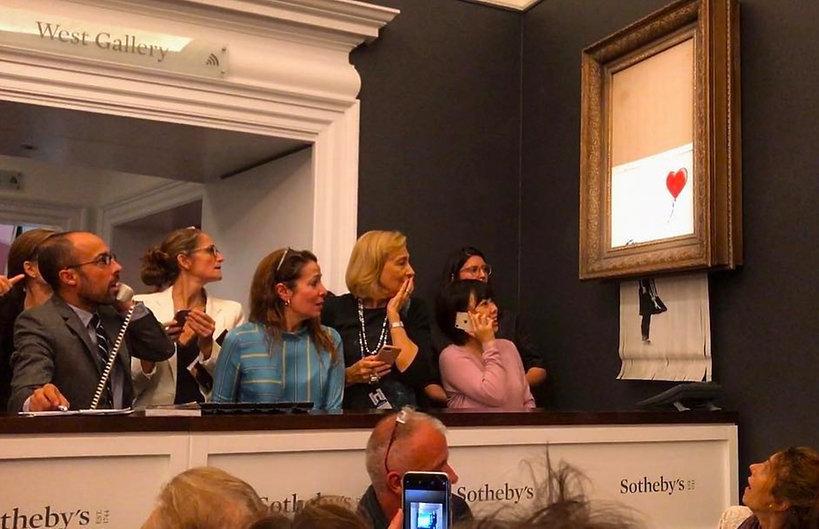 Sprzedana za milion funtów praca Banksy'ego uległa samozniszczeniu tuż po licytacji!