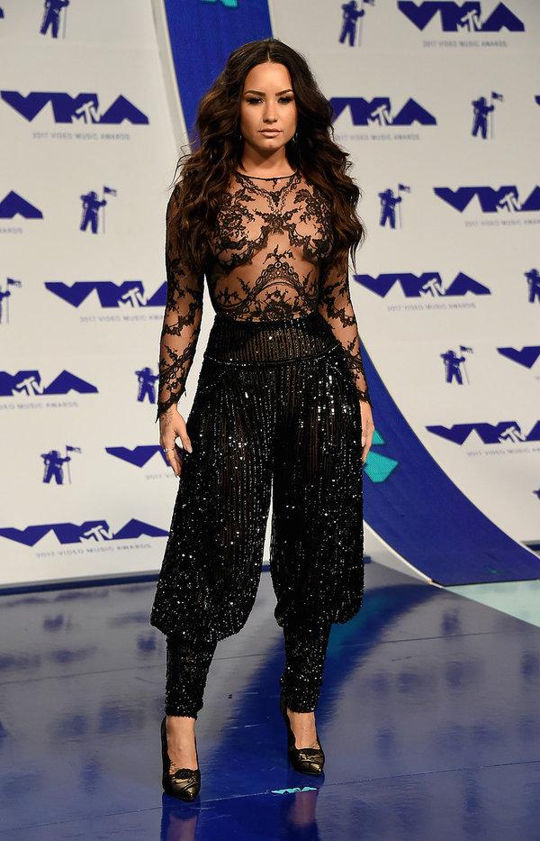 Stylizacje gwiazd na MTV VMAS 2017 Demi Lovato