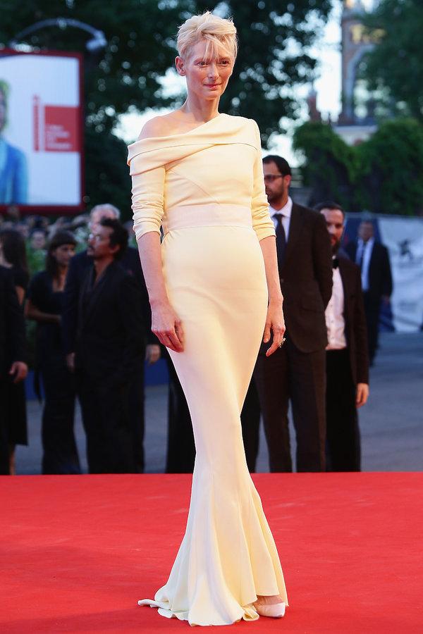 Tilda Swinton Najpiękniejsze kreacje z poprzednich lat na Festiwal Filmowy w Wenecji