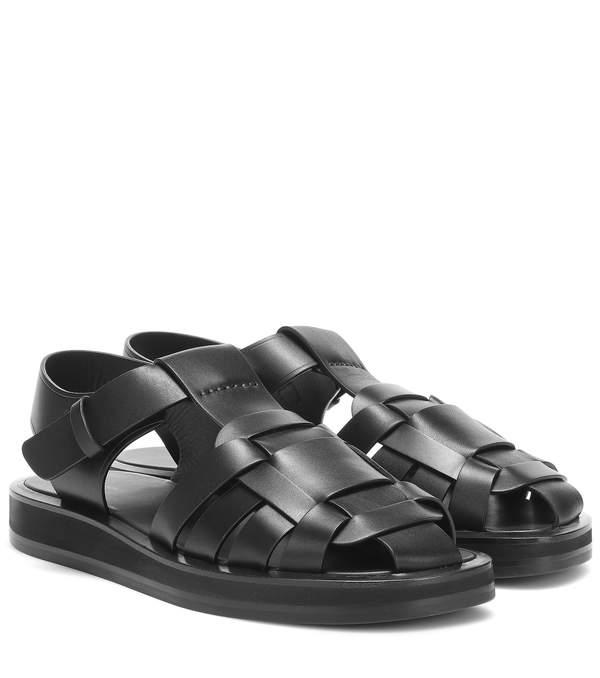 trendy-2020-wiosna-lato-sara-boruc-w-kontrowersyjnych-sandalach-marka-cena