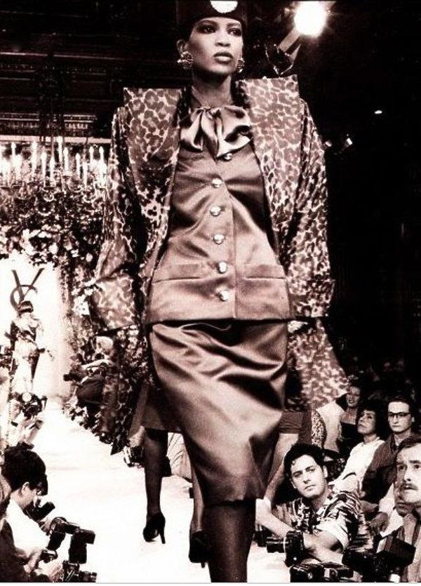 Ubrania Saint Laurent z kolekcji Catherine Deneuve sprzedane