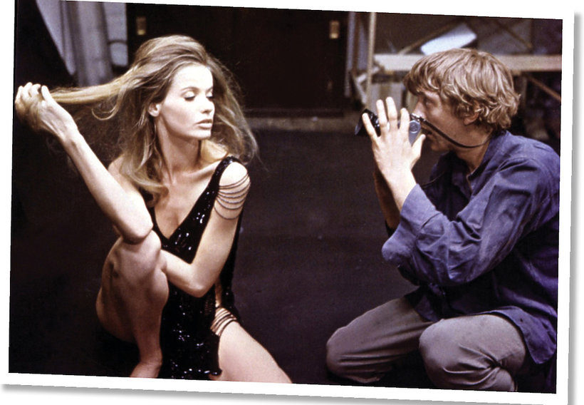 """Veruschka w filmie """"Powiększeniu"""" (1966) w reżyserii Michelangelo Antonioniego"""