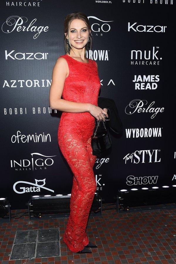 Wpadki modowe z czerwonych dywanów w 2017 roku, Joanna Moro na pokazie Roberta Kupisza