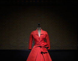 """Wystawa """"Christian Dior: Designer of Dreams"""", w Victoria & Albert Museum w Londynie"""