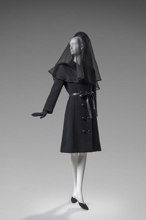 Wystawa kreacji Hubert de Givenchy, La Cité de la dentelle et de la mode w Calais