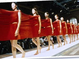 """Wystawa o modzie """"Items: Is Fashion Modern?""""w nowojorskiem muzeum MoMa w Nowym Jorku"""