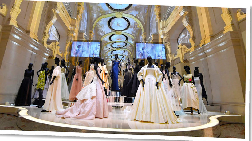 """Wystawa z okazji 70-lecia domu mody Christian Dior """"Christian Dior. Couturier Du Rêve"""", Musée des arts décoratifs w Paryżu"""