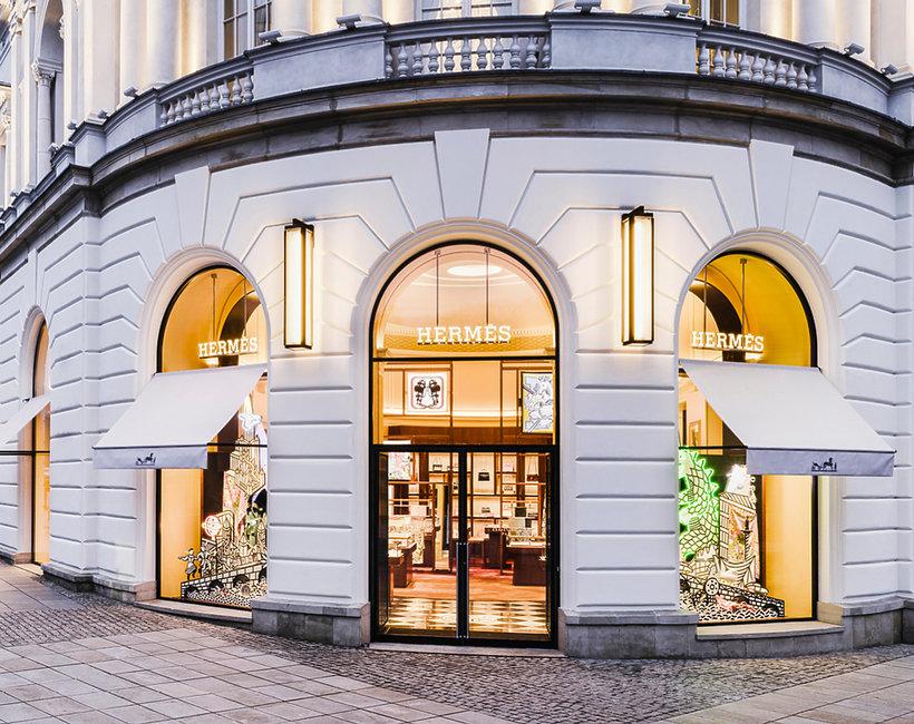 Zdjęcia pierwszego butiku Hermesa w Warszawie